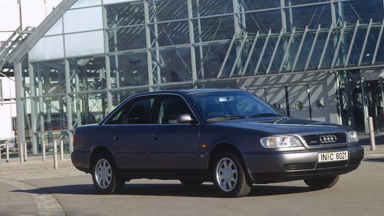 Az első generációs A6-os opcionálisan már Quattro összkerékhajtással is kapható volt