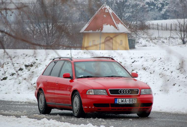 A 80-ast leváltó Audi A4 hosszában beépítve kapta meg az átdolgozott TDI-t
