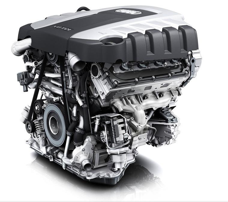 A 2014-ben megjelent 4,2 TDI 2000 és 2750 között tudja a 850 newtonméteres nyomatékcsúcsot, míg 385 lóerejét 3750-es percenkénti fordulaton adja le