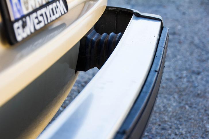 """Az 1976-os """"Zero-damage standard"""" előírás miatt Amerikában csak olyan autókat lehetett forgalomba helyezni, amiknek a lökhárítója egy 5 mérföld/órás ütközésben maximum 10 mm-t hajolhatott el, és maximum 19 m-t mozdukhatott el"""