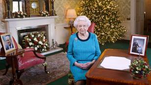 Kitudódtak II. Erzsébet nagyon különös banánfogyasztási szokásai