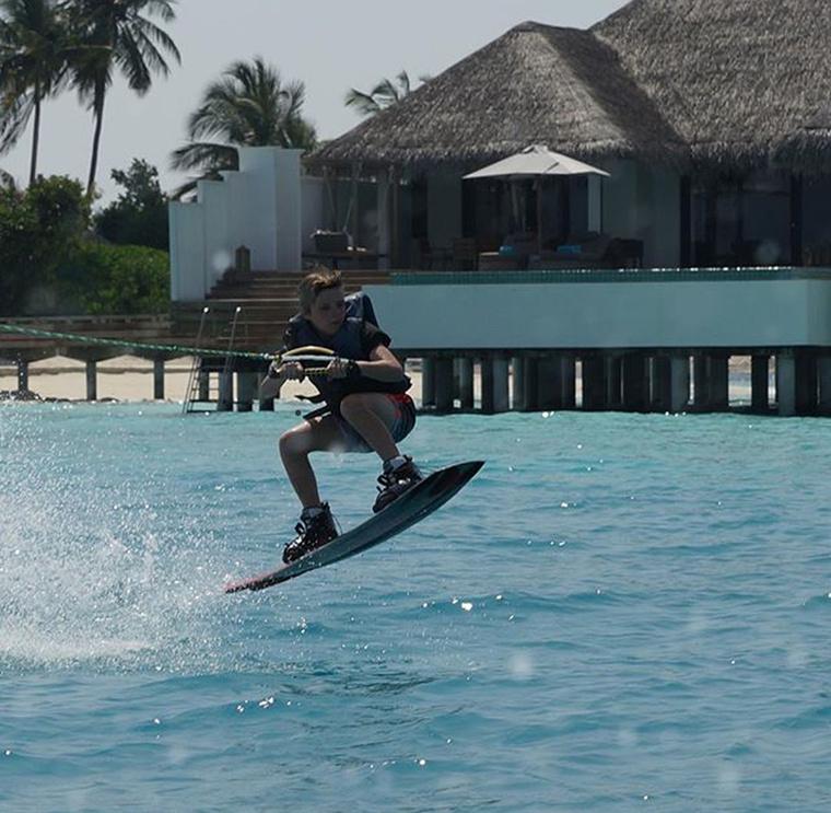 A helyszín: Maldív-szigetek                          Família: Beckhamék