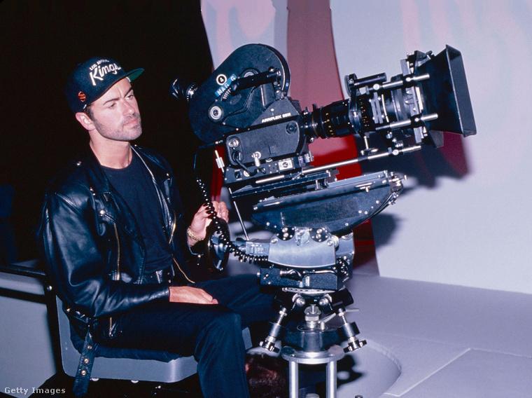 George Michael azért itt se vitte túlzásba, a klip rendezőjeként, a kamera mögött tűnik csak fel, összesen alig pár másodpercre.