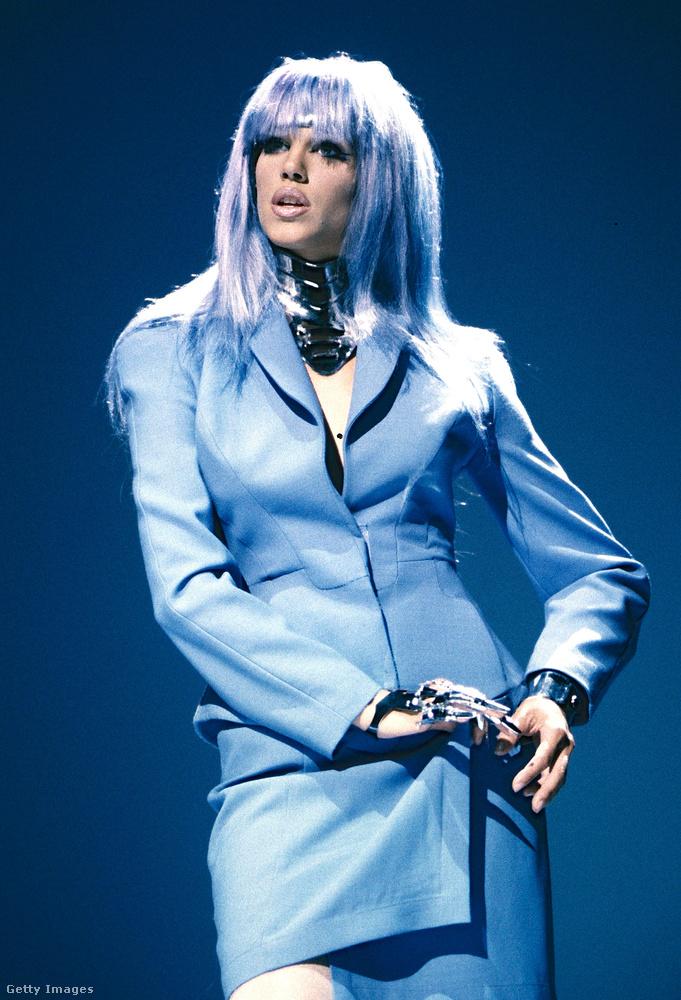Ő Emma Wiklund, és elég emlékezetes, hogy mi volt a kosztüm alatt...