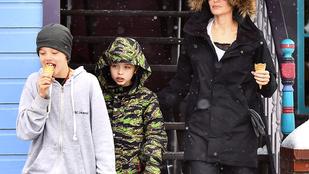 Angelina Jolie fogta pár gyerekét, és elvitte őket fagyizni a hóesésben