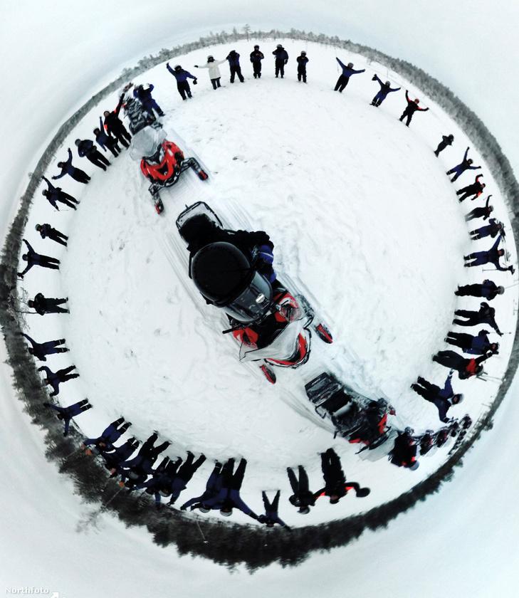 A blogger még Finnországba is elutazott, hogy a vakítóan fehér havas tájat megörökítse