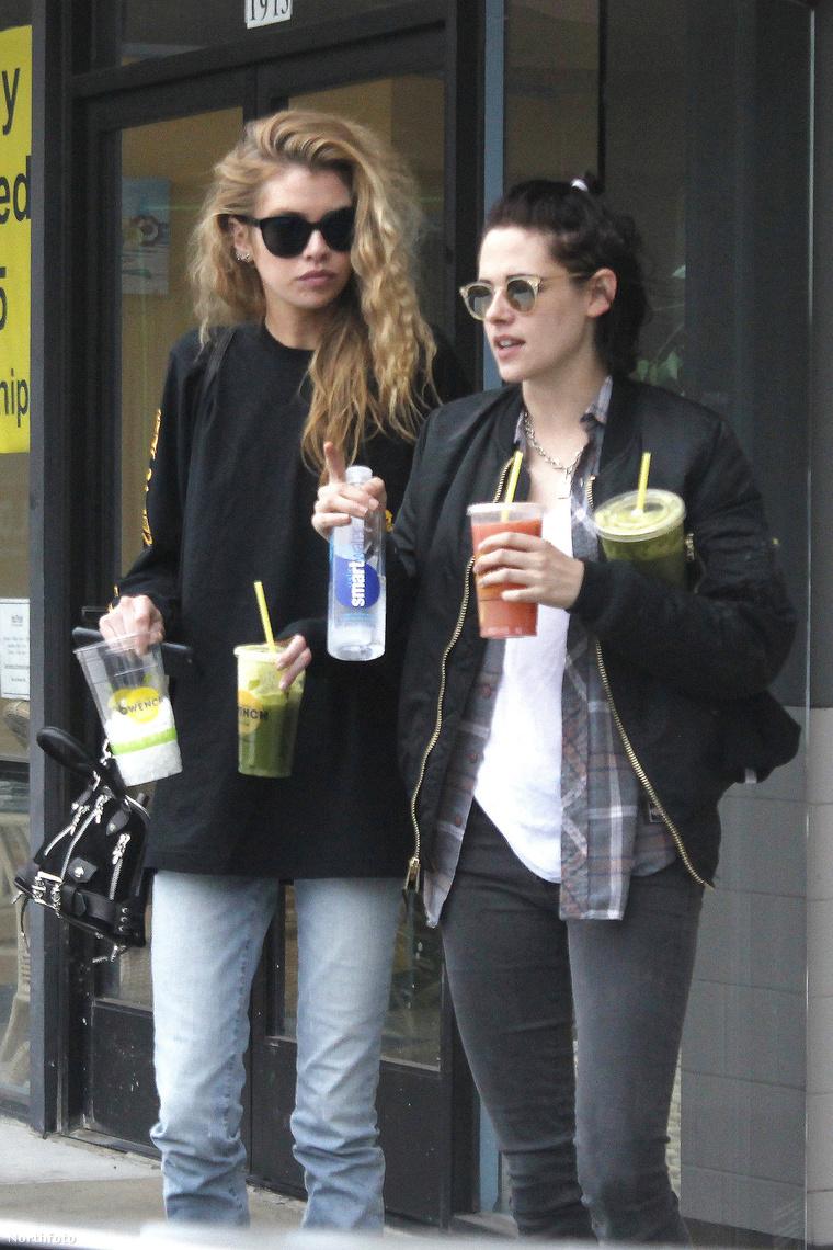 Stella Maxwell és Kristen Stewart.