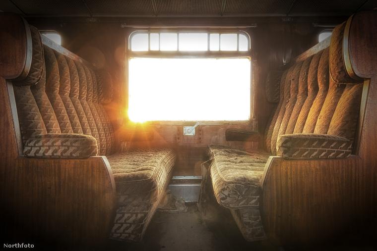 Végül pedig egy igazi különlegesség: az Orient Expressz egyik elhagyott kocsija