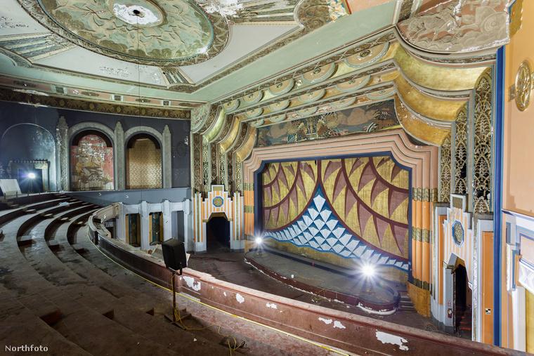 Philadelphiában, Pennsylvaniában áll az egykori Boyd színház, de műsornak már nyoma sincsen