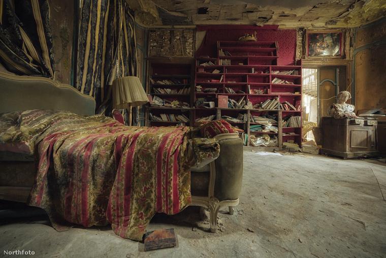 Egy elhagyott hálószoba sem éppen szívderítő látvány