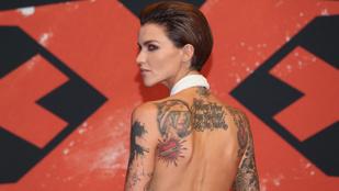 Most megcsodálhatja Ruby Rose tetoválásait