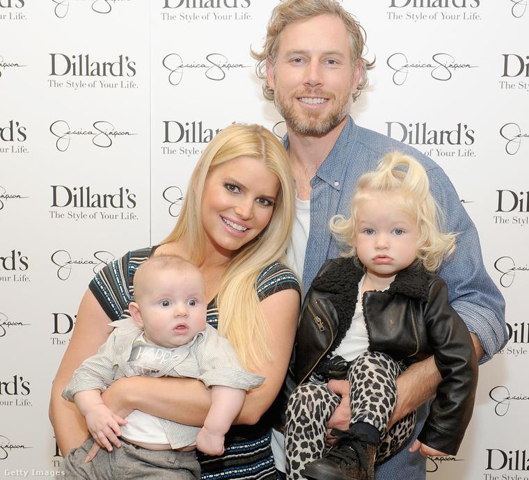 Jessica Simpson, Eric Johnson és a gyerekek.