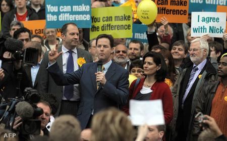 Nick Clegg  kampánygyűlésen szónokol (Fotó: Andrew Yates)