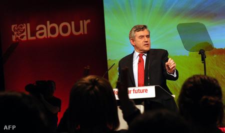 Gordon Brown kampánygyűlésen szónokol (Fotó: Paul Ellis)