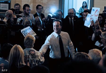 David Cameron bristoli kampánygyűlésre érkezik (Fotó: Carl de Souza)