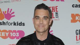Robbie Williams anyósa aztán tud karácsonyi ajándékot adni