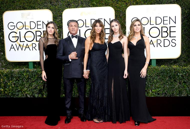 A Stallone család, illetve jelen formában Sly, kedves felesége és a három Miss Golden Globe.