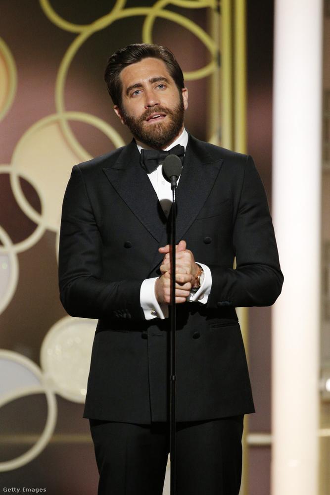 Jake Gyllenhaal most éppen szakállas.