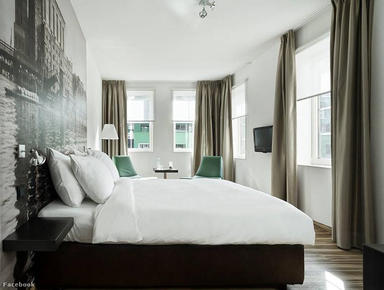 A négycsillagos hotel csak kívülről látszik kaotikusnak, 160 szobája egyszerre kényelmes és dizájnos