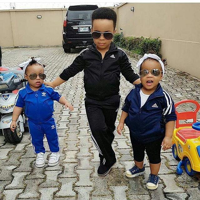 Ezek a gyerekek alig születtek meg, máris talpig Adidasban pózolnak.