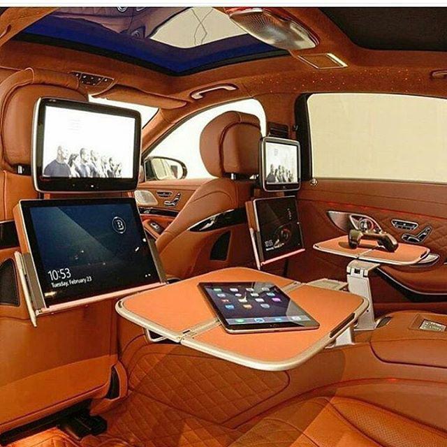 Melyek általában így néznek ki belülről: van PlayStation, Windows-os tablet, és iPad is.
