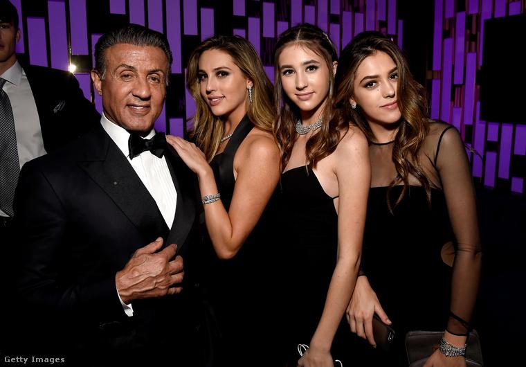 (balról jobbra) Scarlet Rose, Sophia Rose és Sistine Rose Stallone;
