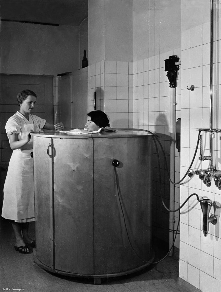1937: német találmány volt az elektromos izzasztódoboz, bőr-, szív- és és érrendszeri problémák kezelésére.