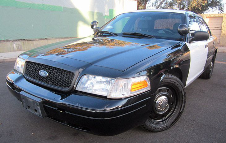 ab09b680-2fa4-11e4-b443-29b0493a6cc7 ford-crown-vic-police