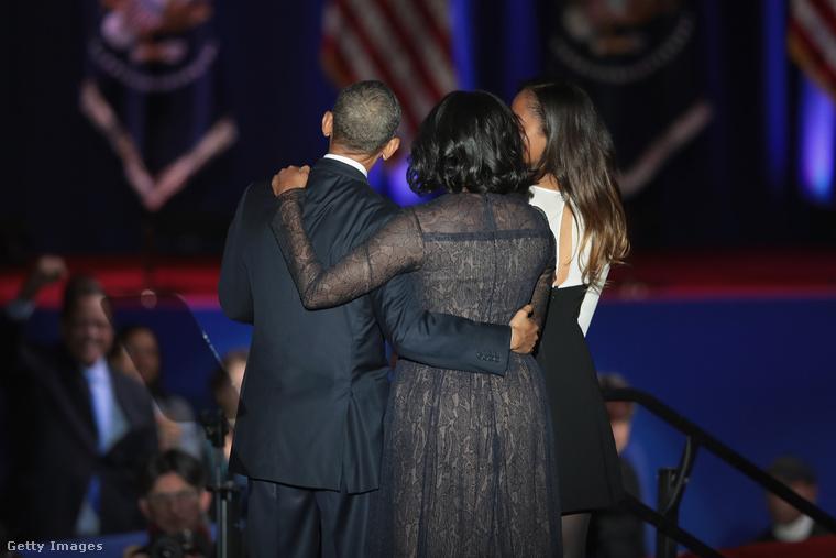 Barack Obama és Michelle Obama le sem tagadhatja: még ennyi év házasság után is hatalmas szeretettel és tisztelettel vannak egymás iránt