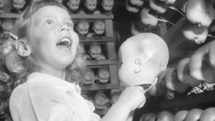 A hajdani játékbaba-gyártásnál kevés riasztóbb dolog létezik