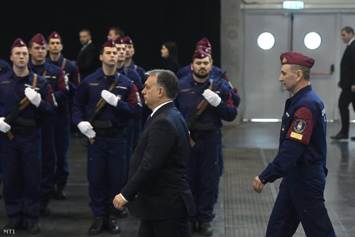 Orbán Viktor a végzős határvadászok avatóünnepségén