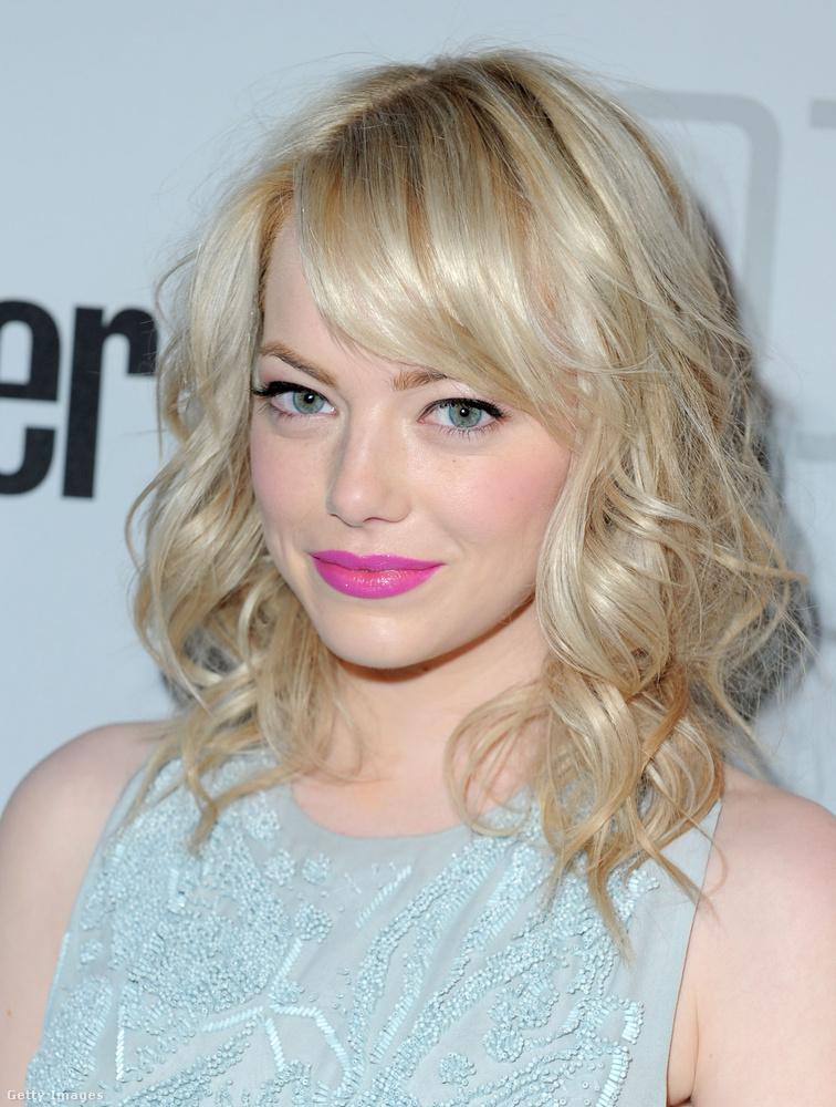 2011-ben szőkére festette a haját,