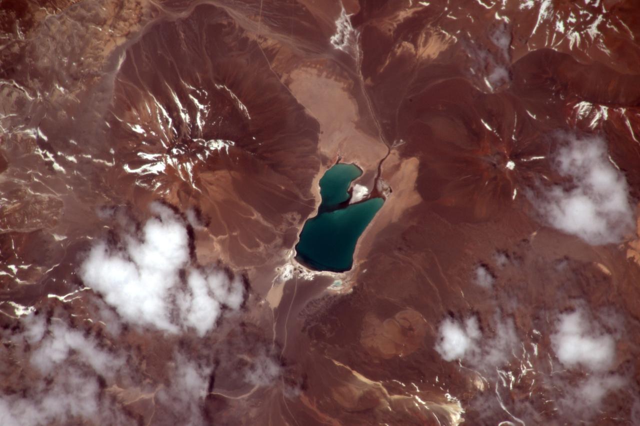 Egy tó az Andokban, Chile és Argentína között.
