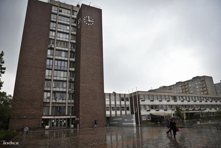 dunaújvárosháza1
