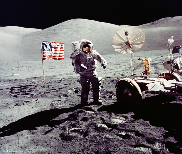 Cernan a Holdon az Apollo 17 küldetésen.