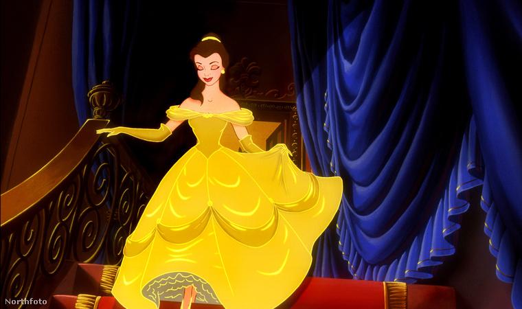 Ez volt ugye a minta, így néz ki Belle a filmben a kérdéses jelenetben, amit itt megnézhet még egyszer.