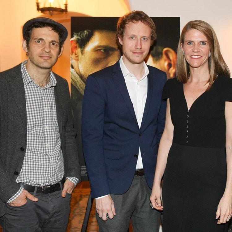 A díjátadó után pedig gratulált a második magyar Oscar-díjas film, a Saul fia főszereplőjének és rendezőjének (Röhrig Gézának, illetve Nemes Jeles Lászlónak)