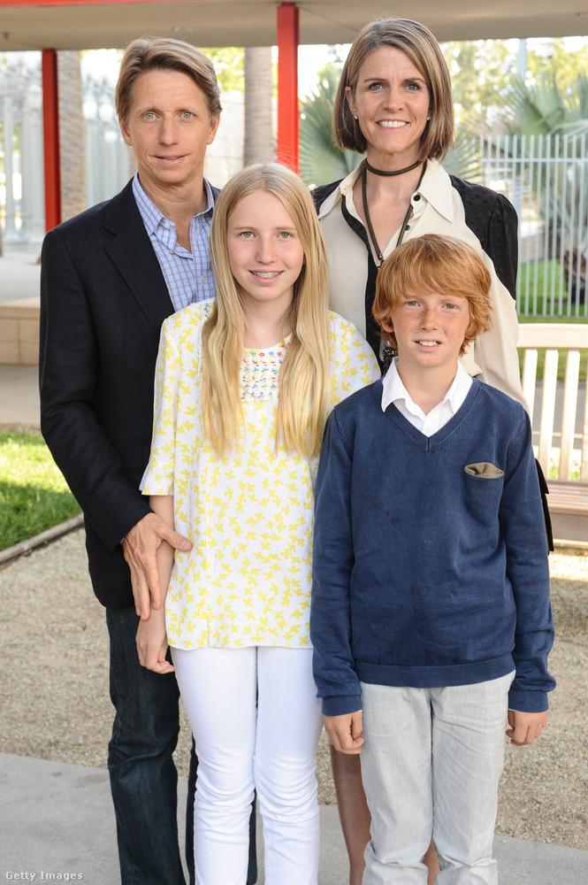 Charlotte és Oliver Bell pedig a két legfiatalabb gyermek.