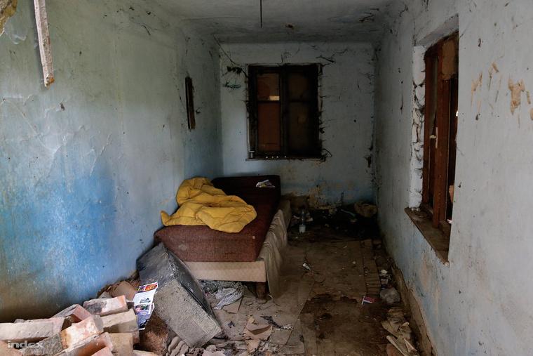 Ebben a romos épületben húzta meg magát az egyik tettes, majd közösen kitervelték hogy idecsalják a turistát és kirabolják, de gyilkosság lett a vége.