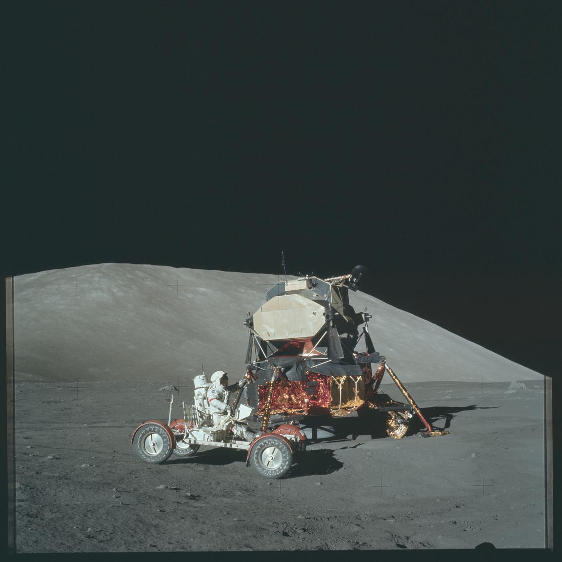 Holdjáró, holdkomp, 44 év telt el azóta.