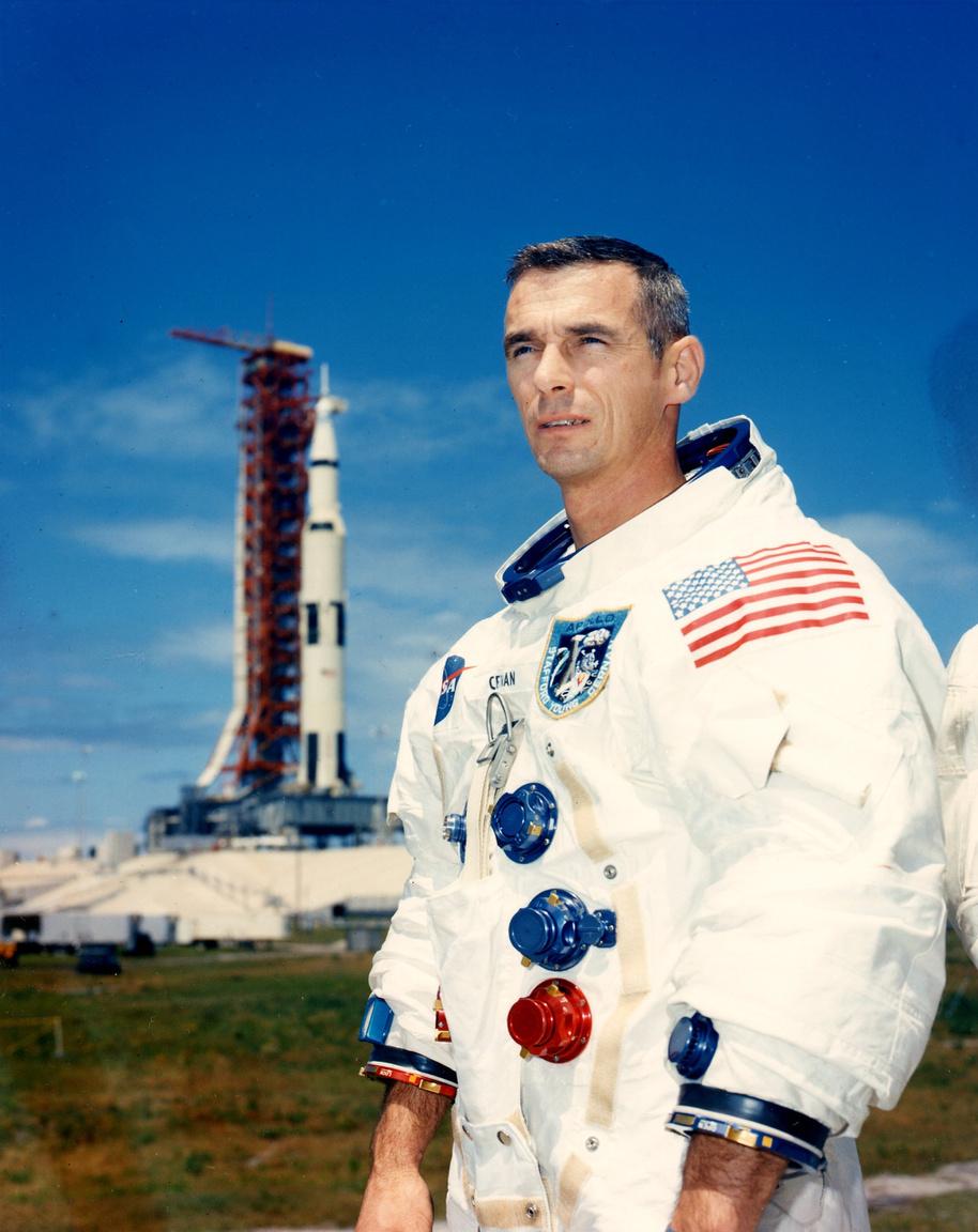 1969. május 13-ai portré, öt nappal az Apollo-10 küldetés startja előtt.