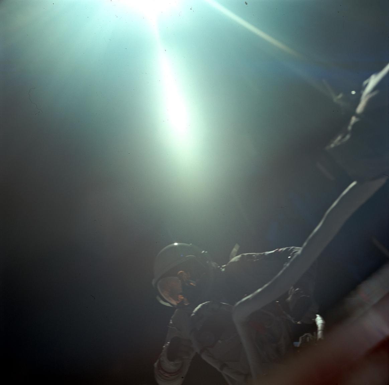Gemini-9 küldetés: Cernan űrsétán.