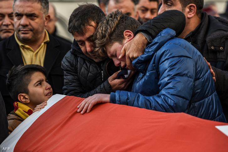 A merénylet áldozatainak temetése