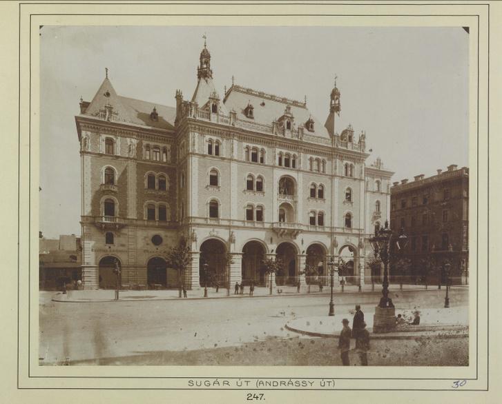 Andrássy (Sugár) út 25., Drechsler-palota. A felvétel 1884-1890 között készült