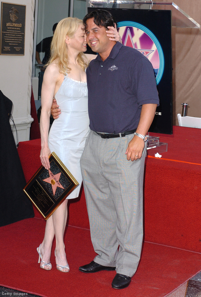 Az 1967-ben született Andrew Zellweger néha elkíséri a húgát a vörös szőnyegre, akkor is ott volt, amikor a Bridget Jones főszereplője csillagot kapott a Hírességek sétányán Hollywoodban.