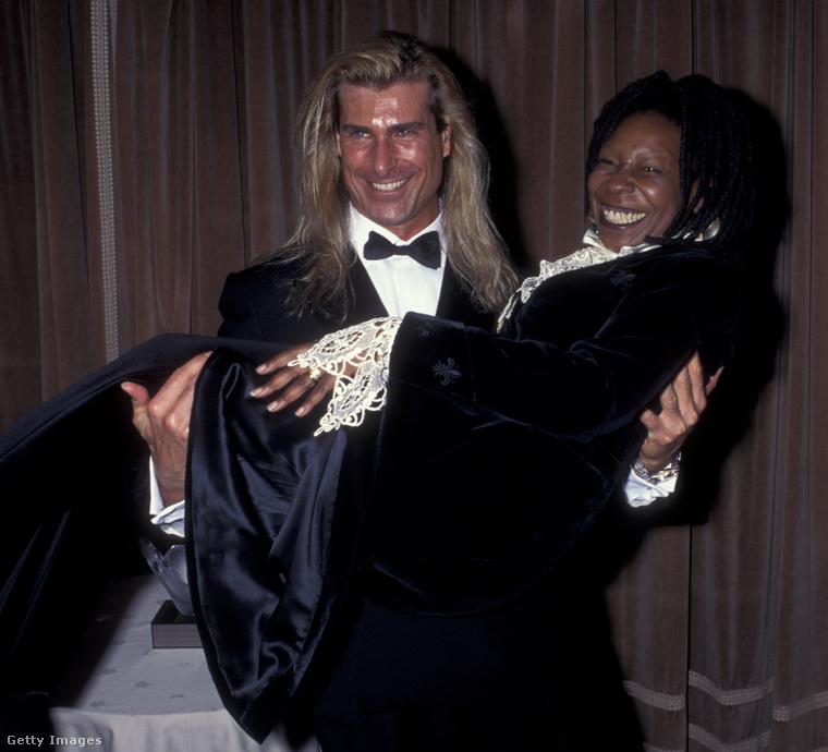 Ez a kép 1995-ös, a szerencsés hölgy ezúttal Whoopi Goldberg.