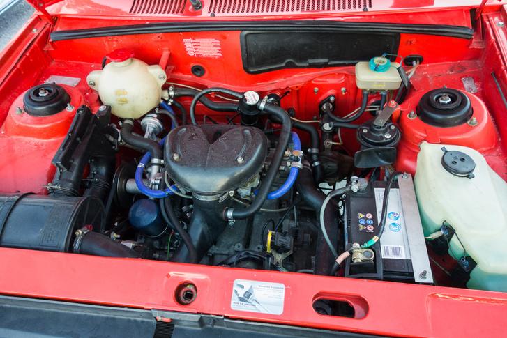 A 80 lóerős motor