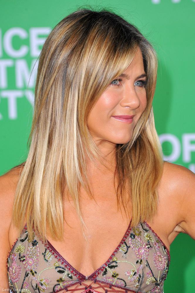 Jennifer Aniston viszont 47 éves, de alighanem ő is nagyon szerencsés génállománnyal rendelkezik