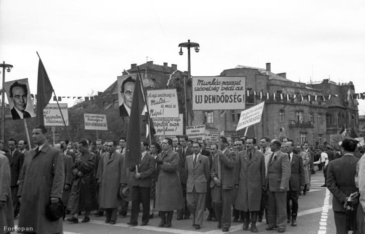 Hősök tere, háttérben a Dózsa György út - Andrássy út sarok, május 1-i ünnepség. (1947.)