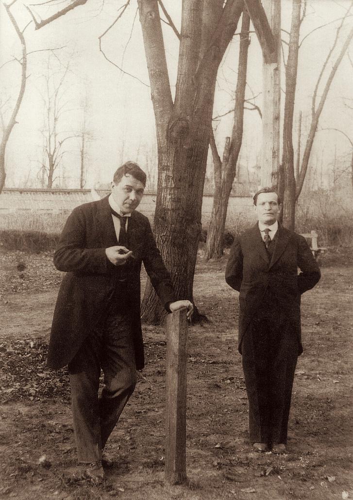 Kosztolányi Dezsővel Palicsfürdőn (ma Szerbia) az 1910-es évek közepén.